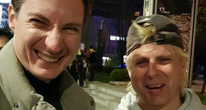"""Caramitru de la USR  îi atacă pe susținătorii lui Pleșoianu: """"Oameni săraci nu au bani sa meargă la mall-uri sau terase sau in City-break-uri"""""""
