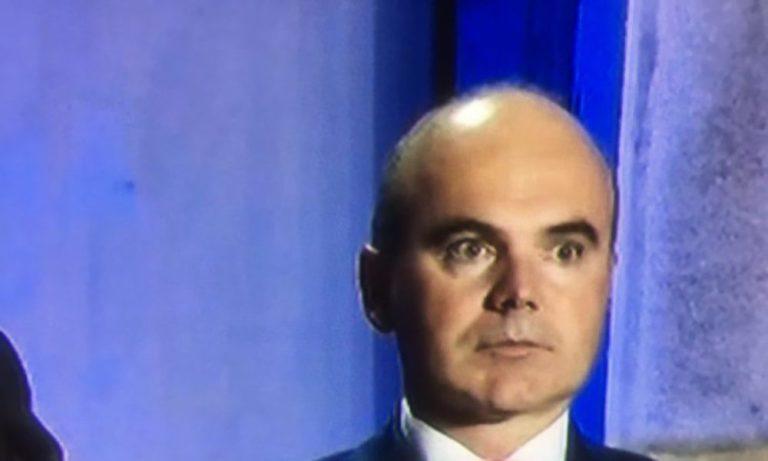 """Rareş Bogdan: """"CCR scuipă pe 18 milioane de cetăţeni care au ales să respecte ordonanţele"""""""